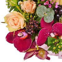 Buy romantiv bouquet «Marsala» with international flower delivery