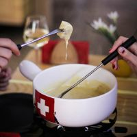 Order certificate «Fondue evening for two» in the UFL online store. Delivery!