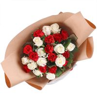 Bouquet 25 red and white roses