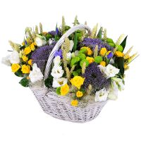 Order bouquet «Summer basket of flowers» online