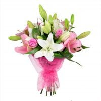 Bouquet With roses and lilies