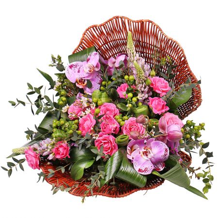 Order the bouquet «Purple pearl» in the internet-shop UFL with delivery to any chosen country of the city and the world.