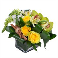Bouquet Compliment to business woman