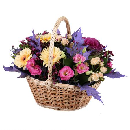 Order a beautiful basket with flowers ��Tender��. Delivery!