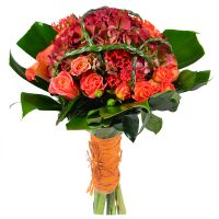 Buy a bouquet in orrange tones �Autumn paints�