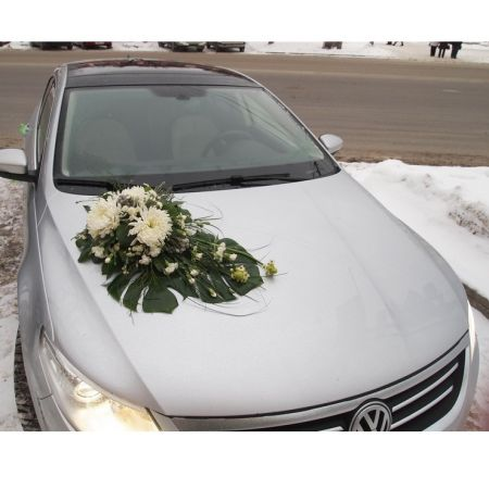 Bouquet Decoration on car